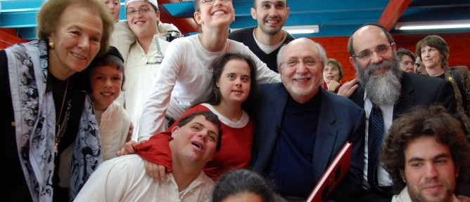 Peter Yarrow with kids