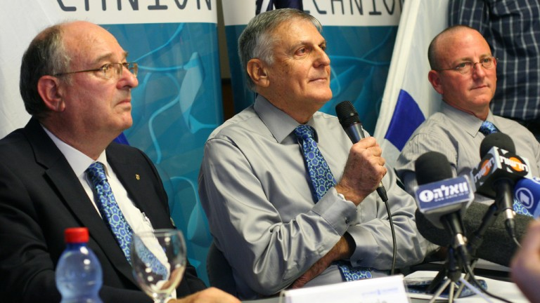 Prof. Dan Shechtman, center, at a press conference in 2011. Photo courtesy of Technion
