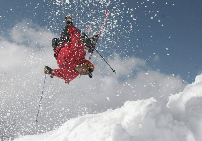 An Israeli skiier in the Hermon. Photo by Haim Azulay/FLASH90.