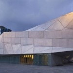 Tourists from all over the world are flocking to the new wing of the Tel Aviv Museum of Art.