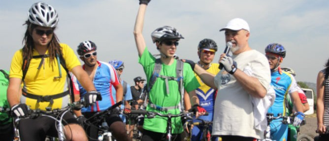 Former captive soldier, Gilad Shalit, leads the Cycling for Peace run from his home in Israel's north to Acre.