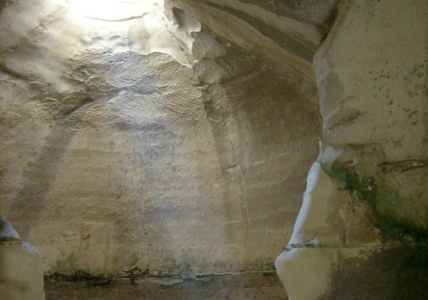 One of the Bell Caves. Photo courtesy of Wikimedia Commons.