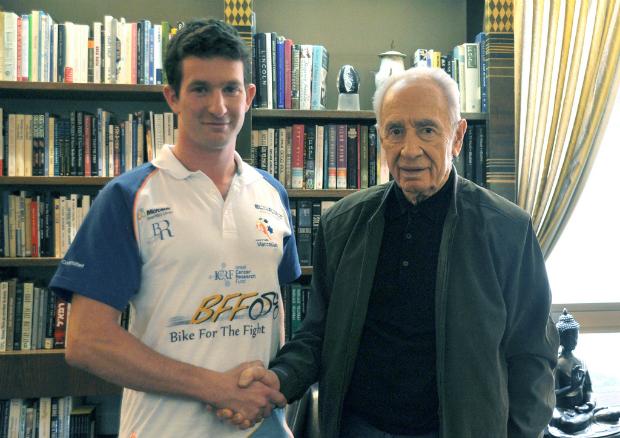 Peled meeting with Israeli President Shimon Peres.