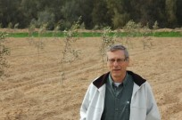 Prof. Pedro Berliner at Wadi Mashash, one of the areas in the Negev Desert using the updated ancient system for conserving floodwater.