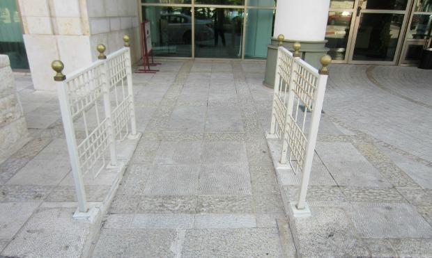 The main entrance of the Haifa Crowne Plaza has a ramp for easy wheelchair access.