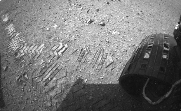 The image shows a close-up of track marks left by NASA's Curiosity rover. Image courtesy of NASA/JPL-Caltech.