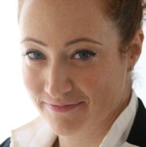 Tamar Yaniv went from online poker to online beauty.