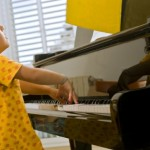 Learning to play piano? An Israeli app will turn the pages for you. Image via Shutterstock.com