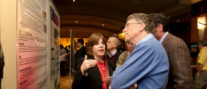 Hervana founder Rachel Teitelbaum explaining her new contraceptive suppository to Bill Gates.