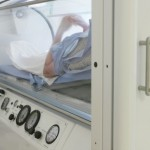 Hyperbaric chambers could offer new hope to those with brain damage. Image via Shutterstock.com