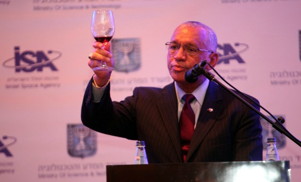 NASA's Charles Bolden announced that NASA will renew its cooperative agreements with Israel for some new projects.