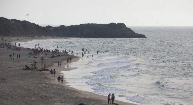 Saving Palmachim beach from developers. Photo by Flash90.