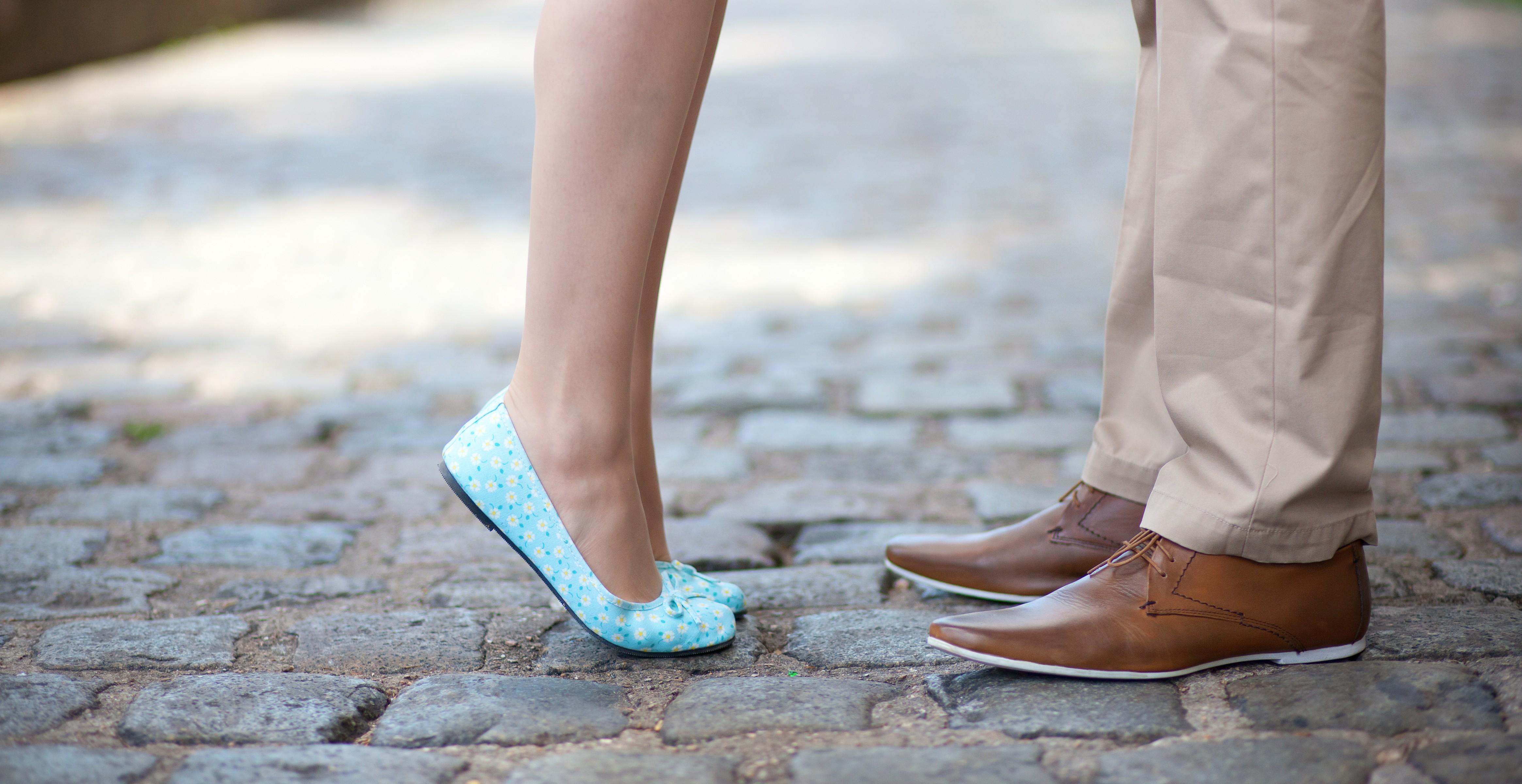 Целовать женскую обувь фото 8 фотография