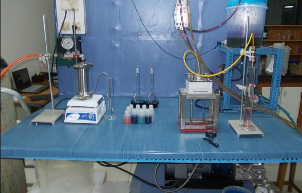 Prof. Yoram Oren's laboratory. Photo by Yoram Oren