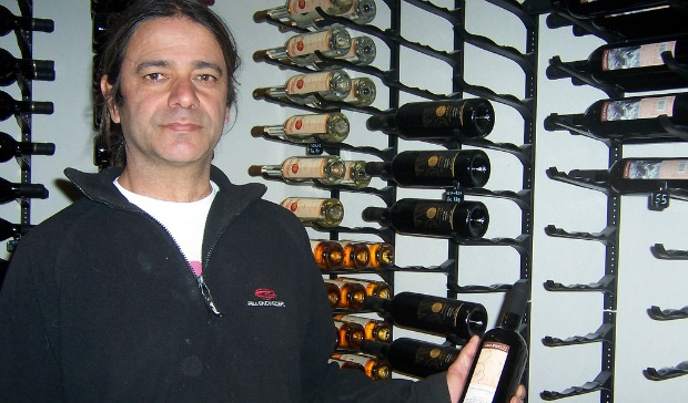 Moshe Zohar offers tastings of Negev-produced wines.