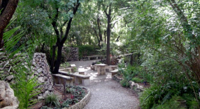 The Garden Tomb is a peaceful, clean and environmentally sound Christian tourism site.