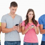 Israelis search, use social networks and watch videos on their smartphones more than any other population. (Shutterstock)