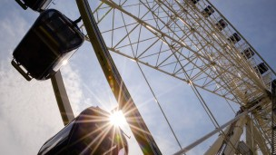 A giant Ferris wheel is set to become a part of Tel Aviv's skyline in 2014. (Shutterstock.com)