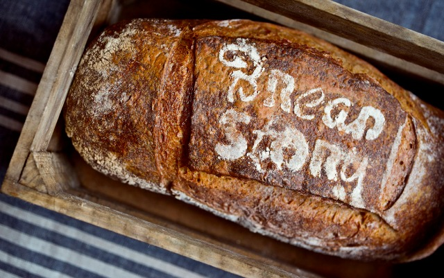 At this Tel Aviv café, bread becomes the meal.