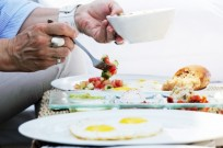Tel Aviv University researchers says eating a high-energy breakfast will keep you healthier. (Shutterstock)
