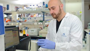 Weizmann Institute's Dr. Yaqub Hanna and his team say the MBD3 protein could be the key to stem-cell reprogramming.