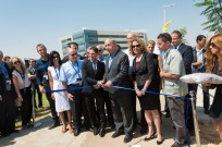 Cutting the rope at the dedication of the Advanced Technologies Park in Beersheva. Photo Credit: Dani Machlis/BGU
