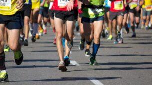 20,000 joggers take part in Tel Aviv Night Run