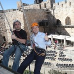 Paralympic cyclist Nati Gruberg goes rappelling with Mayor of Jerusalem, Nir Barkat in support of Etgarim.