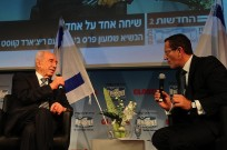 Israeli President Shimon Peres, left, with CNN international business correspondent Richard Quest at the Israel Business Conference. Photo by Tamar Matsafi