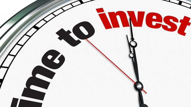Time to invest. Image via Shutterstock.com