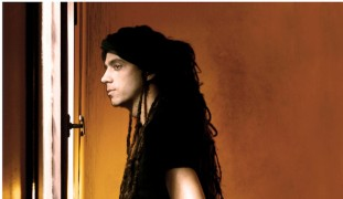 Idan Raichel, before the haircut.  Photo by Bartzi Goldblat