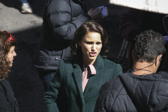 Natalie Portman in Jerusalem's Nahlaot neighborhood on the set of her movie based on Israeli author Amos Oz's novel, 'A Tale of Love and Darkness.' (Hadas Parush/Flash 90)