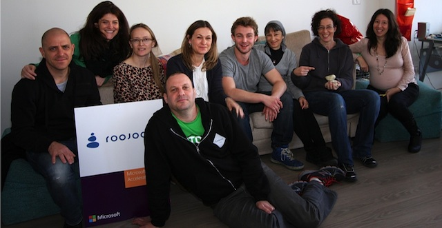 The staff of ISRAEL21c and Roojoom meet for a training session.