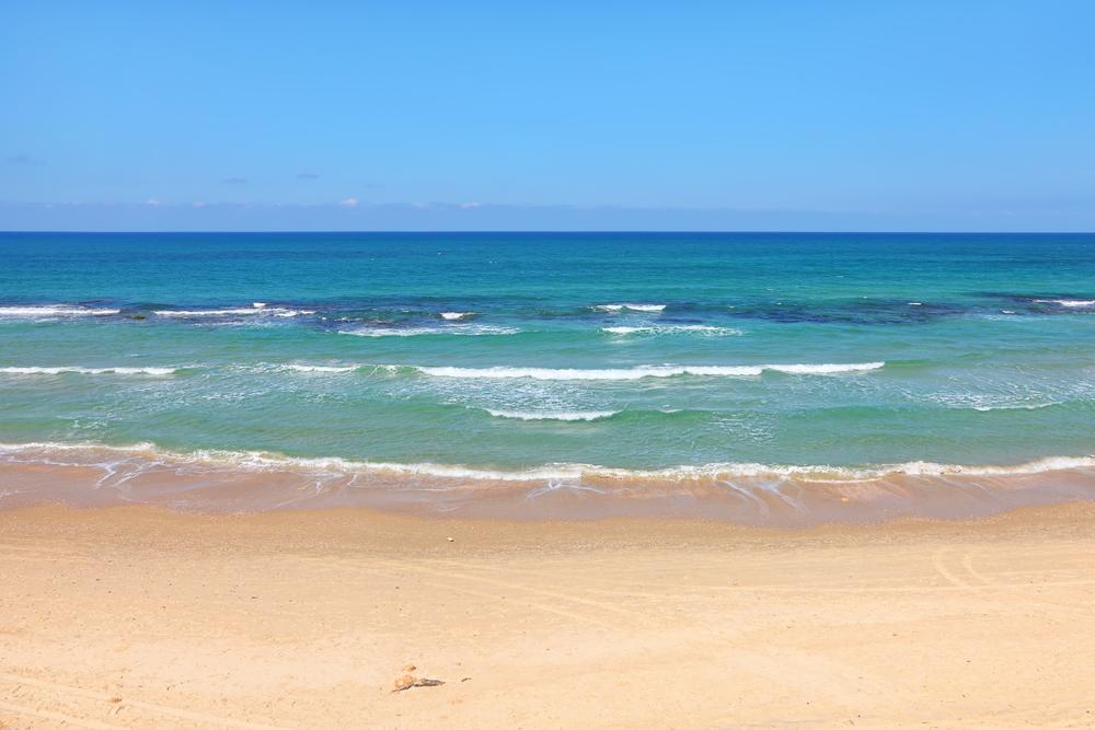 Israel's shore has countless romantic spots. Photo via Shutterstock.com