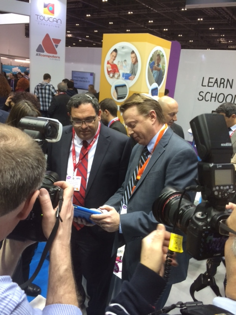 Fourier CEO Ken Zweibel demonstrating the Einstein Tablet+ to Israel Education Minister Shai Piron