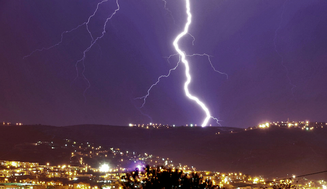Lightning over Nahariya. Photo by Yossi Zamir/Flash 90