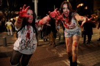 Zombies take to the streets in Tel Aviv. Photo by Flash90.