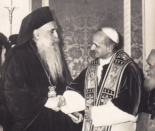 Patriarch of Constantinople Athenagoras and Pope Paul VI meeting in Jerusalem in 1964.