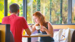 Hebrew in a café, with UlpanOr teacher Yael Gruper.