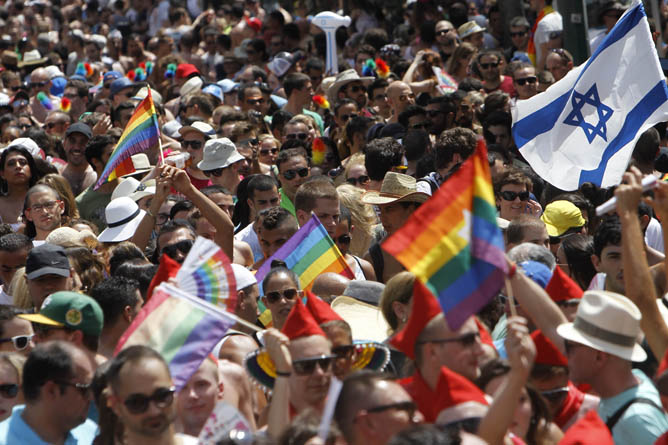 Thousands attend the 2013 Pride Parade in Tel Aviv. (Miriam Alster/FLASH90)