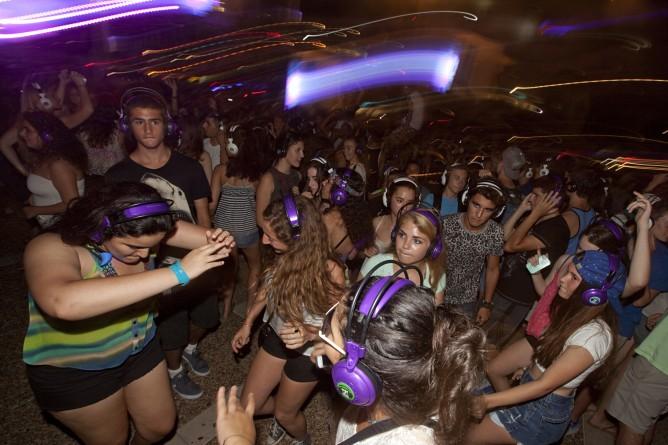 Last year's Amazing Headphones Party will be reprised. (Photo by Dror Garti/FlASH90)