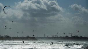 kite_surfing