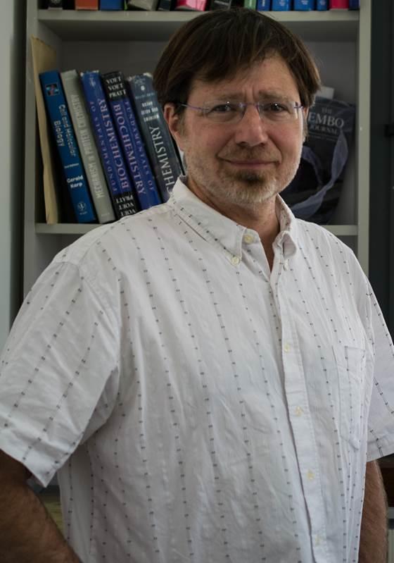Prof. Michael Glickman, team leader of new Alzheimer's study.