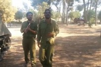 Israeli soldiers break out in tension-releasing song