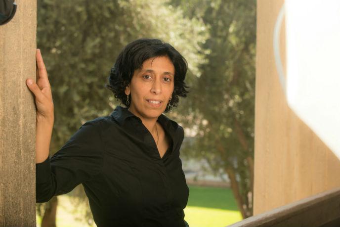 Scientist Yifat Miller at Ben-Gurion University in Beersheva. Photo by Dani Machlis/BGU
