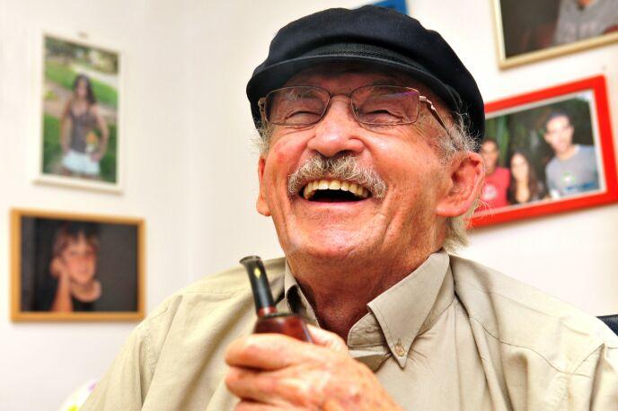 The elderly enjoy a good life in Israel. Photo by www.shutterstock.com