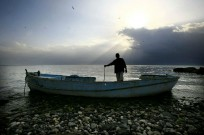 pic_of_week_abandoned_boat_kinneret_f90