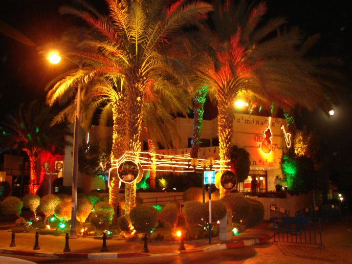 Eilat decorated for the Red Sea Jazz Festival. (Avi Hazeev)