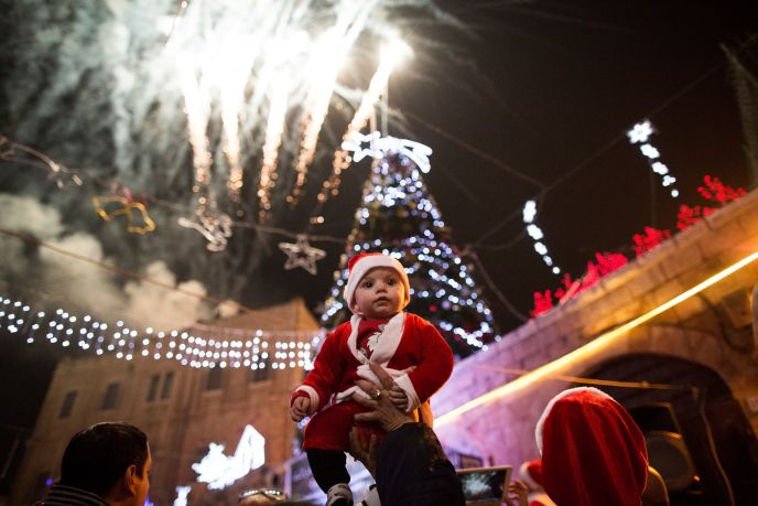 Christmas parade near Jerusalem's Old City. (Yonatan Sindel/FLASH90)