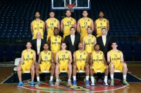Maccabi Electra Tel Aviv 2014-15 (Landesberg is No. 15). Photo credit: Maccabi Tel Aviv BC.